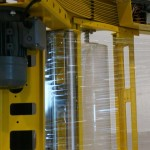 Einstellbare Folienanlegespannung und einstellbare Geschwindigkeit der Folienabwicklung.